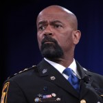 SHERIFF CLARKE Destroys Gun Control InsanityIn 'Democrat Ghetto Hell-Holes Like BLOOD-SOAKED CHICAGO'