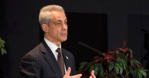 RAHM UNDER FIRE: Hundreds of Chicago Police Officers PROTEST Mayor Emanuel