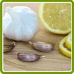 Garlic, Honey, and Lemon Sore Throat Remedy