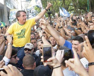 Der brasilianische Präsidentschaftskandidat Jair Bolsonaro bei eine Kundgebung am 6.9.2018. Foto: Antonio Scorza/Shutterstock