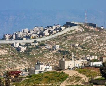 Sperranlage im Westjordanland. Foto: Rostislav Glinsky/Shutterstock