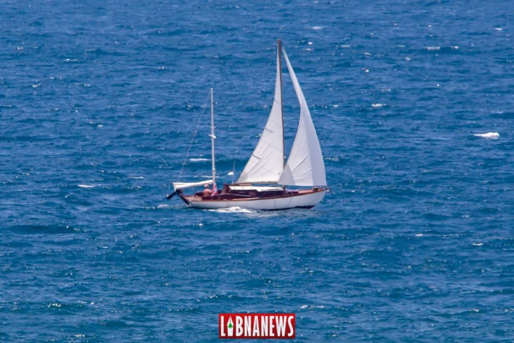 Un voilier en face des côtes libanaises. Crédit Photo: François el Bacha pour Libnanews.com. Tous droits réservés