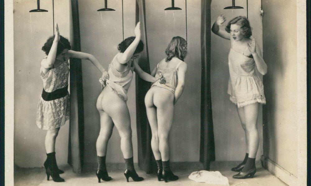 szex, Zuhany-jelenet az 1920-as évekből - Biederer Photo