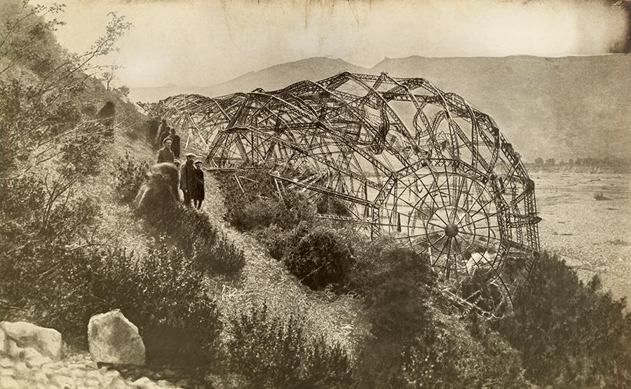 Partravetett törött zeppelin, Mison, Franciaország, 1918.