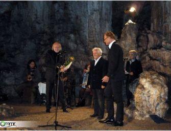 Krasznahorkai átvette a díjat