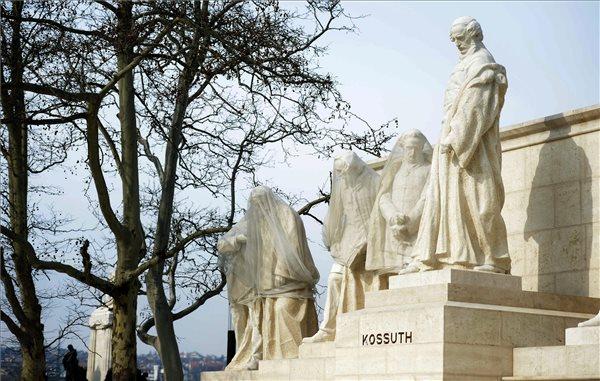 kossuth , szoborcsoport