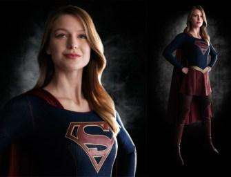 Itt az új Supergirl, és éppen ruhát cserél – videó