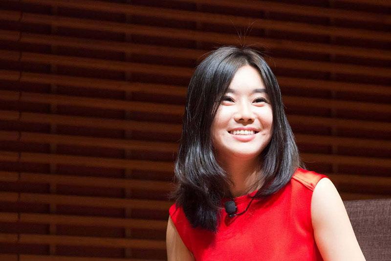 Hyeonseo Lee, a Lány hét névvel kötet szerzője