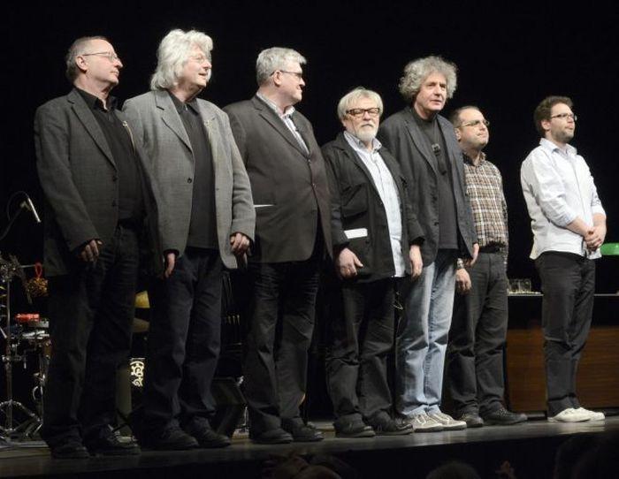 Spiró György, Esterházy Péter, Závada Pál, Parti Nagy Lajos, Dés László, Barcza Horváth József és Dés András