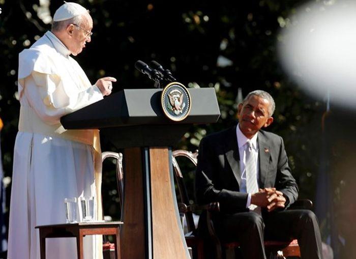 Ferenc pápa beszéde a Fehér Ház kertjében Obama elnökhöz (forrás: REUTERS)