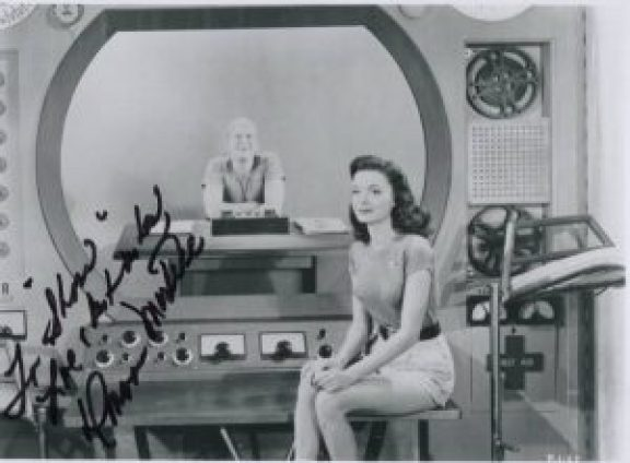 Donna Martell a Project Moonbase-ben, 1958
