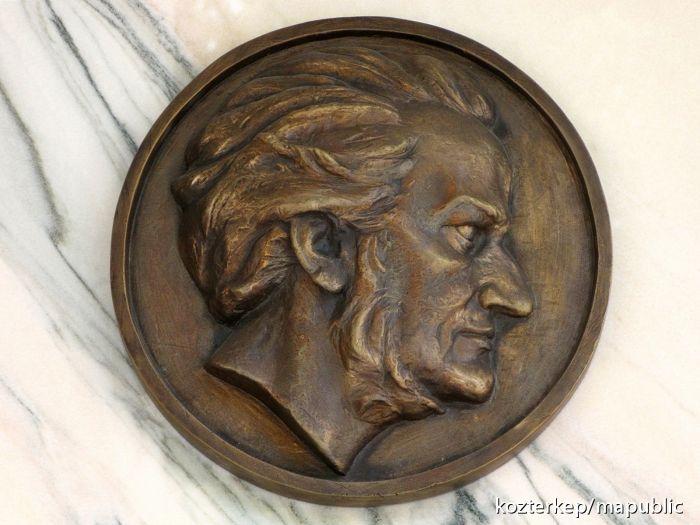 Demcsák Dóra Vanda: Wagner-portré