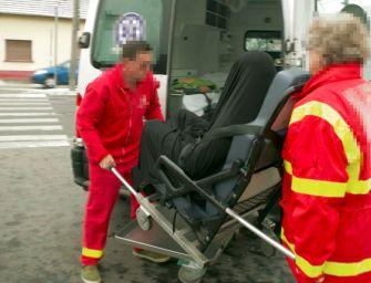 Hullazsákban tologatták Weiler Pétert a Dél-pesti Kórház előtt – fotók!