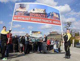 Forgalomlassító tüntetést tartottak a Krasznahorkai várnál