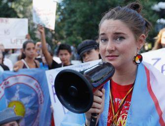 Nem ültetik le a Dakota kőolajvezeték ellen harcoló 25 éves filmsztárt