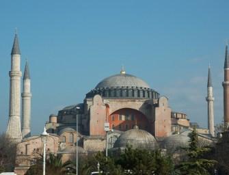 Zsebmetsző újság jelent meg Isztambulban