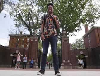 A Canterbury mesék alapján a rendőri erőszakról szól a rapalbum, amit diplomamunkának fogadtak el.