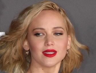 Tíz kilométer magasan állt le Jennifer Lawrence gépe
