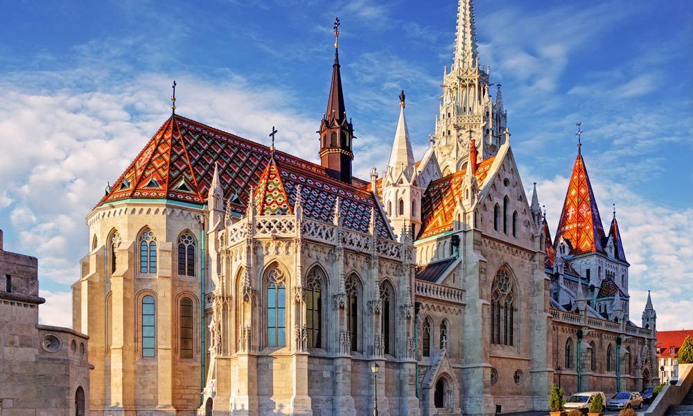 Ingyenes tárlatvezetések Esztergomban és Budapesten