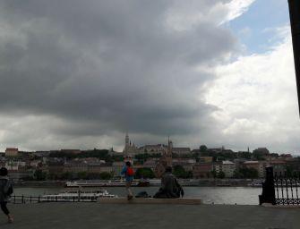 Mit üzen a Duna?