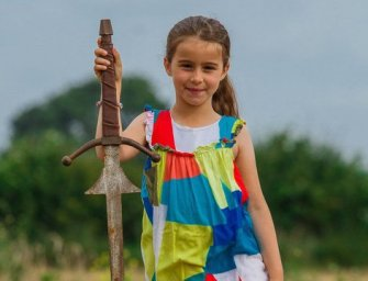 Egy hétéves megtalálta az Excaliburt. Vagyis egy kardot, ami…