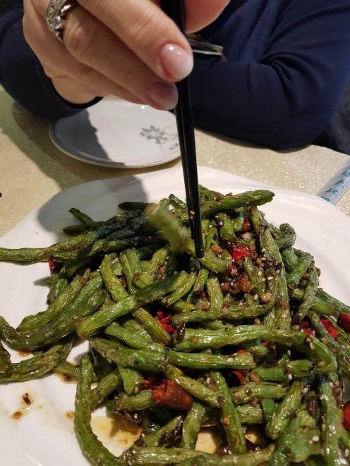 Éva kedvence, a fokhagymás-chilis pirított bab