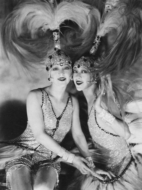 A jazz-korszak ikonjai - A Dolly Sisters, 1927, Fotó James Abbe
