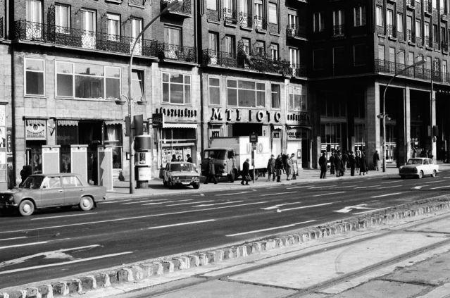 Tanács (ma: Károly) körúti életkép 1984 márciusából