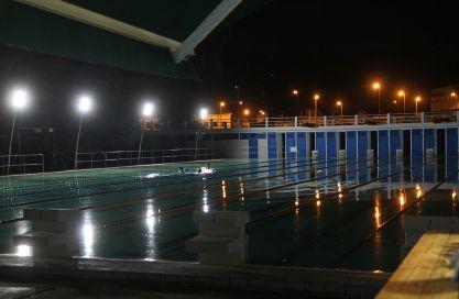 Kovács Bodor Sándor: Éjszakai fürdőzés
