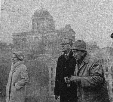André Kertész (jobbról) Esztergomban, 1984 márciusában
