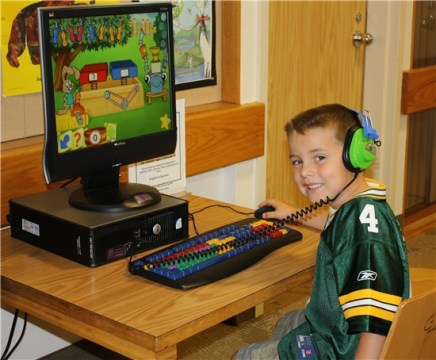 Escondido Public Library   Kids Fun   Games   online educational     Child playing computer game