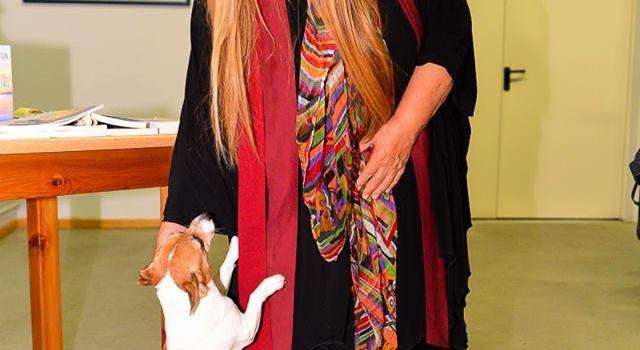 Από την επίσκεψη της Μαρίζας Κωχ στη Δημοτική Βιβλιοθήκη Καβάλας