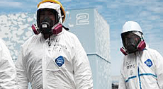 Fukushima, tecnici al lavoro