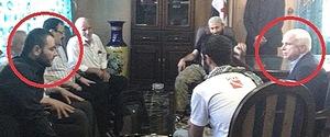 McCain con jihadisti in Siria, tra cui Al-Baghdadi