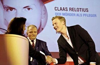 Claas Relotius mentre riceve il premio giornalistico della Cnn