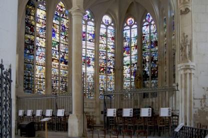 Église St Eusèbe - Vitraux d'une chapelle