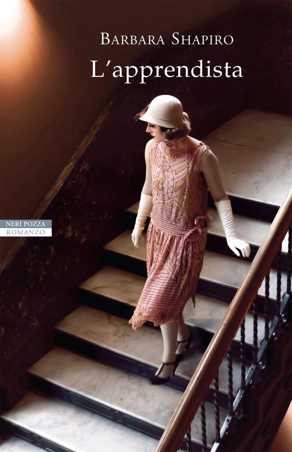 l'apprendista donna che scende le scale