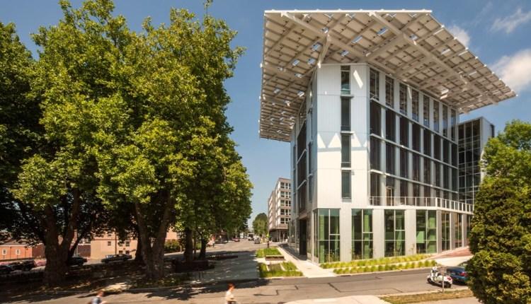 Grupo Contempo invitó a Jason Mc Lennan creador del Living Building
