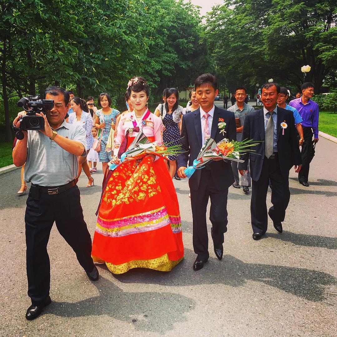 Pyongyang, Corée du Nord. Jeunes mariés.