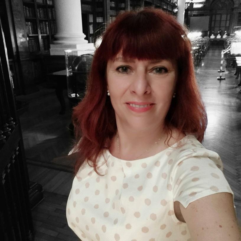 Francesca Fughelli Libringioco nell'Aula Magna della BUB