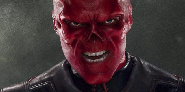Hugo Weaving è Teschio Rosso
