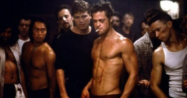 Fight Club (1999) di David Fincher