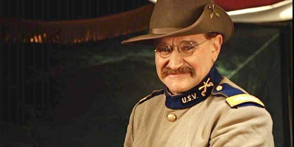 Robin Williams è Teddy Roosevelt in Una notte al museo (2006) di Shawn Levy