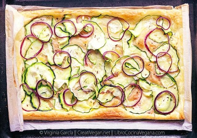 Hojaldre de paté vegetal, calabacín y cebolla morada - CreatiVegan