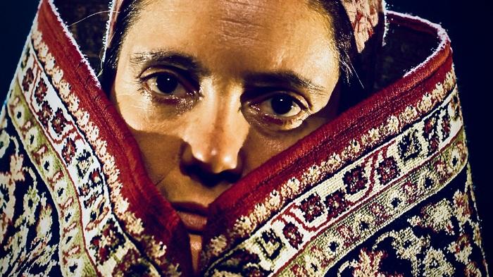 Unos ojos rumanos. El teatro por excelencia