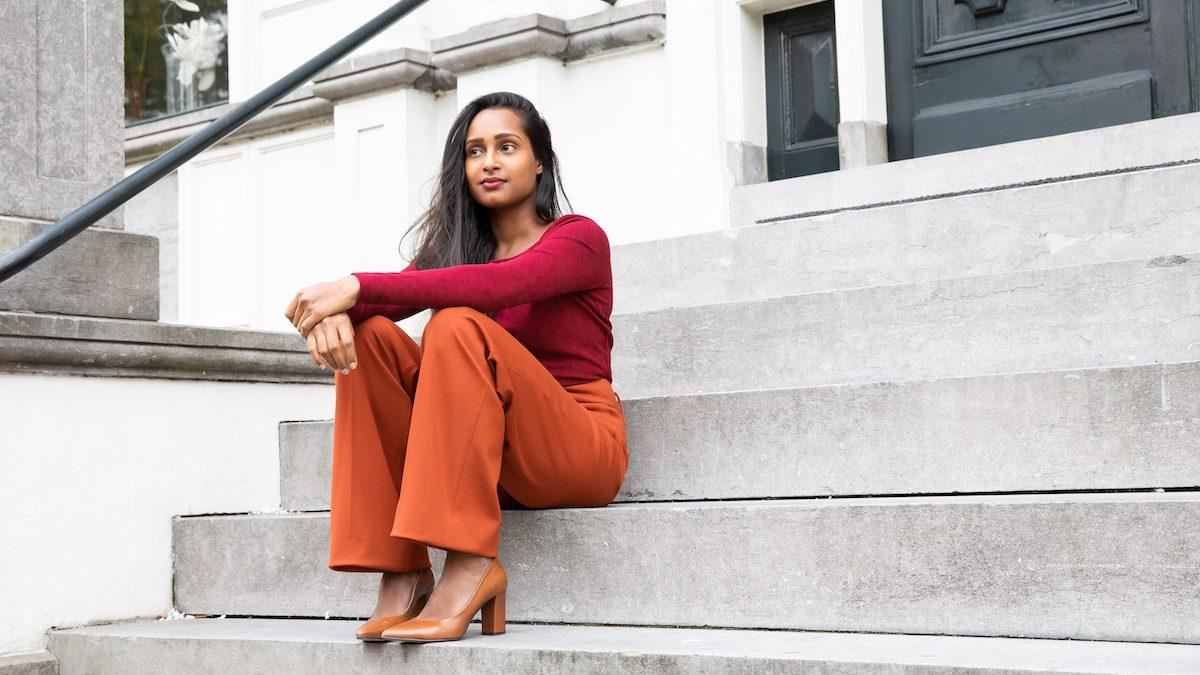 Ester over haar bedrijf in duurzame en zakelijke kleding voor vrouwen