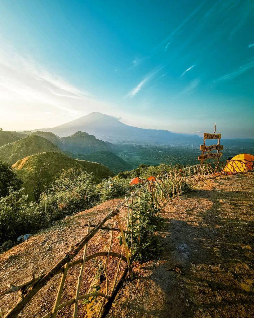 Bukit Sanghyangdora