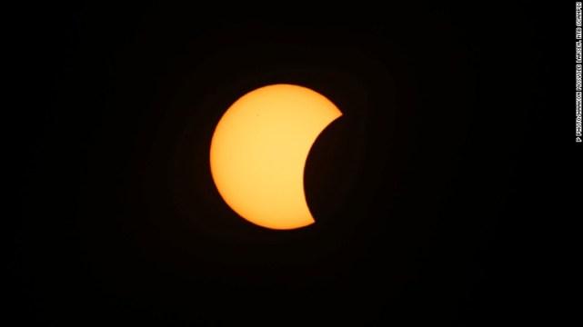 Indonesia dan Australia cukup sering mengalami fenomena Gerhana Matahari Total yang menarik untuk para traveler