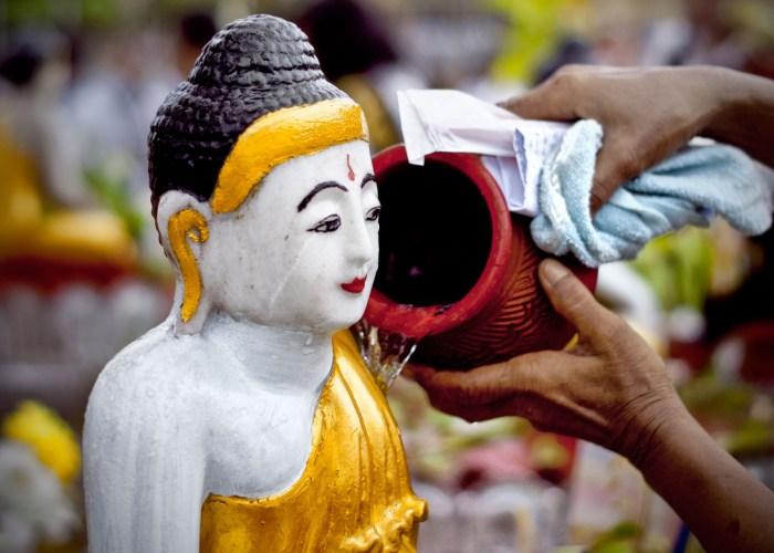 Uniknya Festival Kason Di Myanmar.
