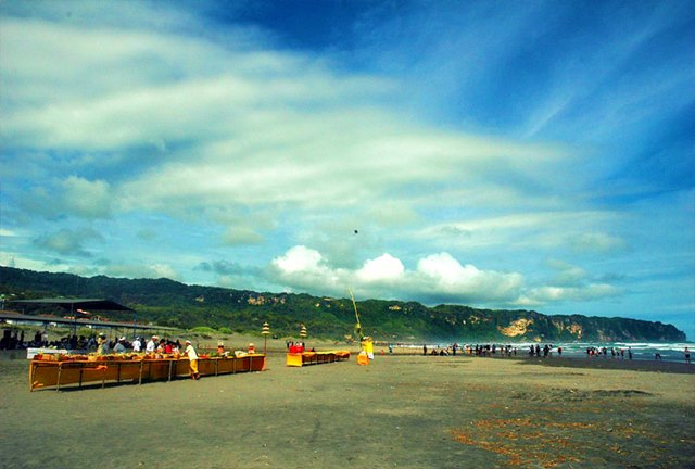 Pantai Parangkusumo di Yogyakarta.
